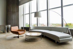 תמונה של סלון עם רהיטים מעוצבים