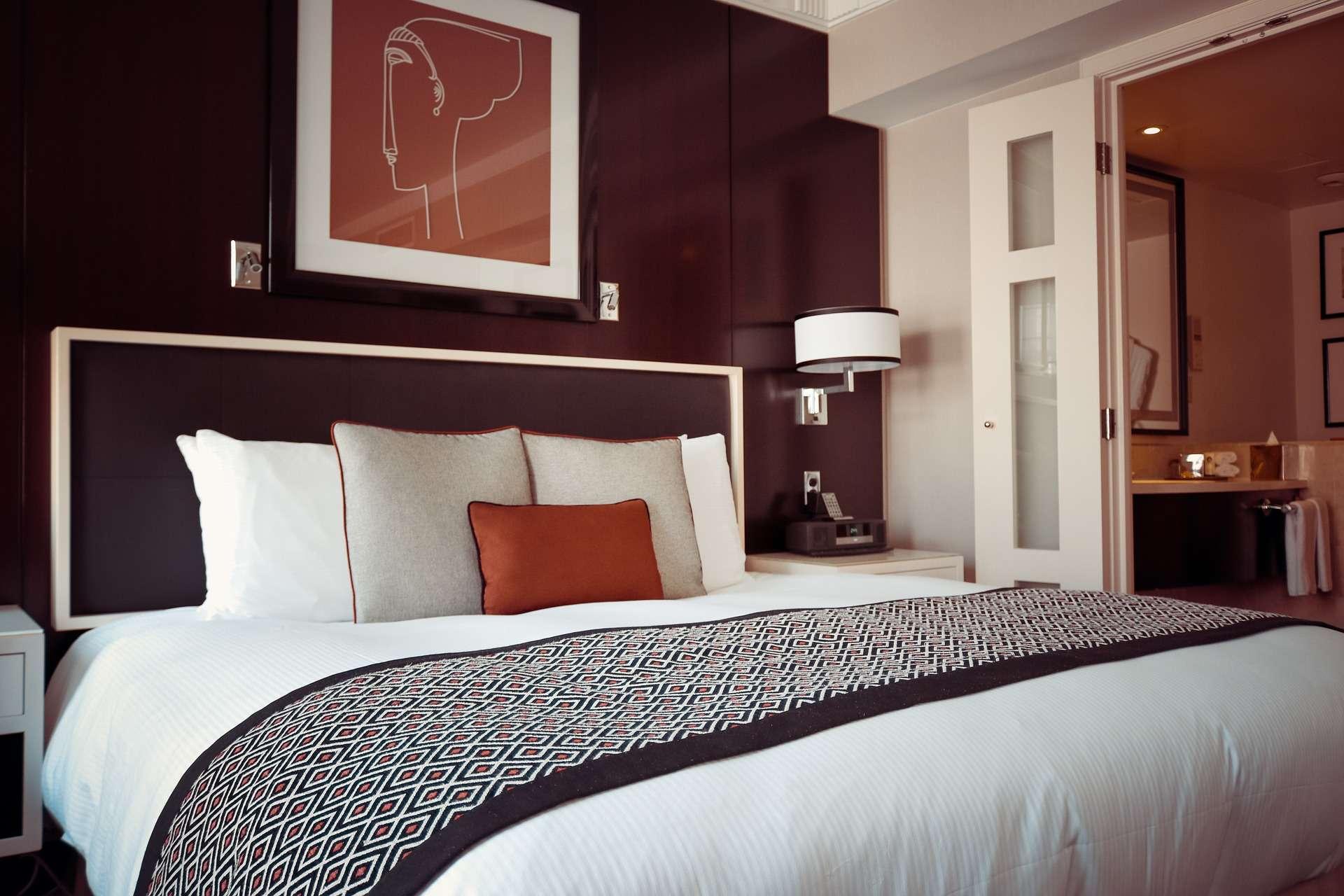 איך לעצב את חדר השינה שלכם?